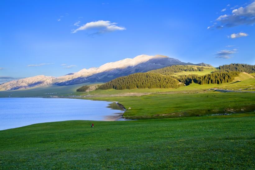 中秋国庆去新疆旅游包车多少钱